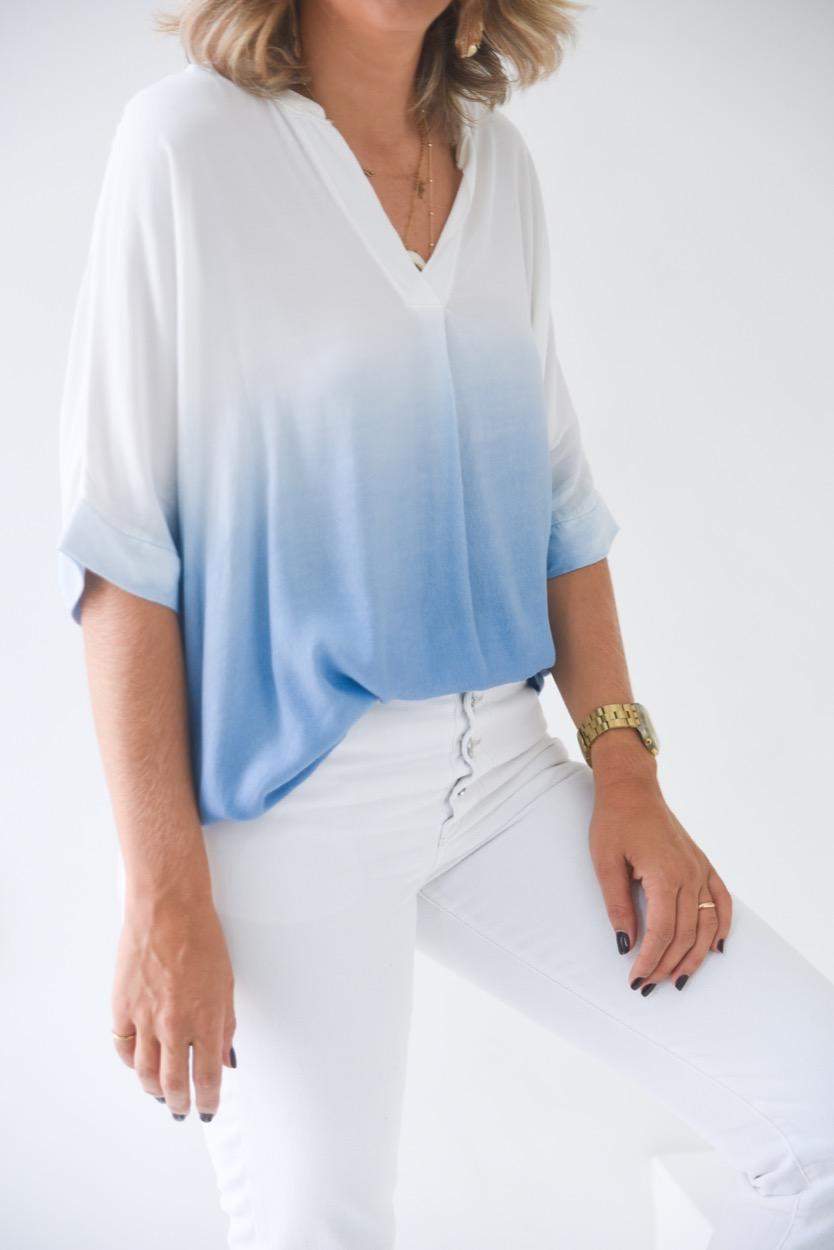 blusa degrade branco/ azul