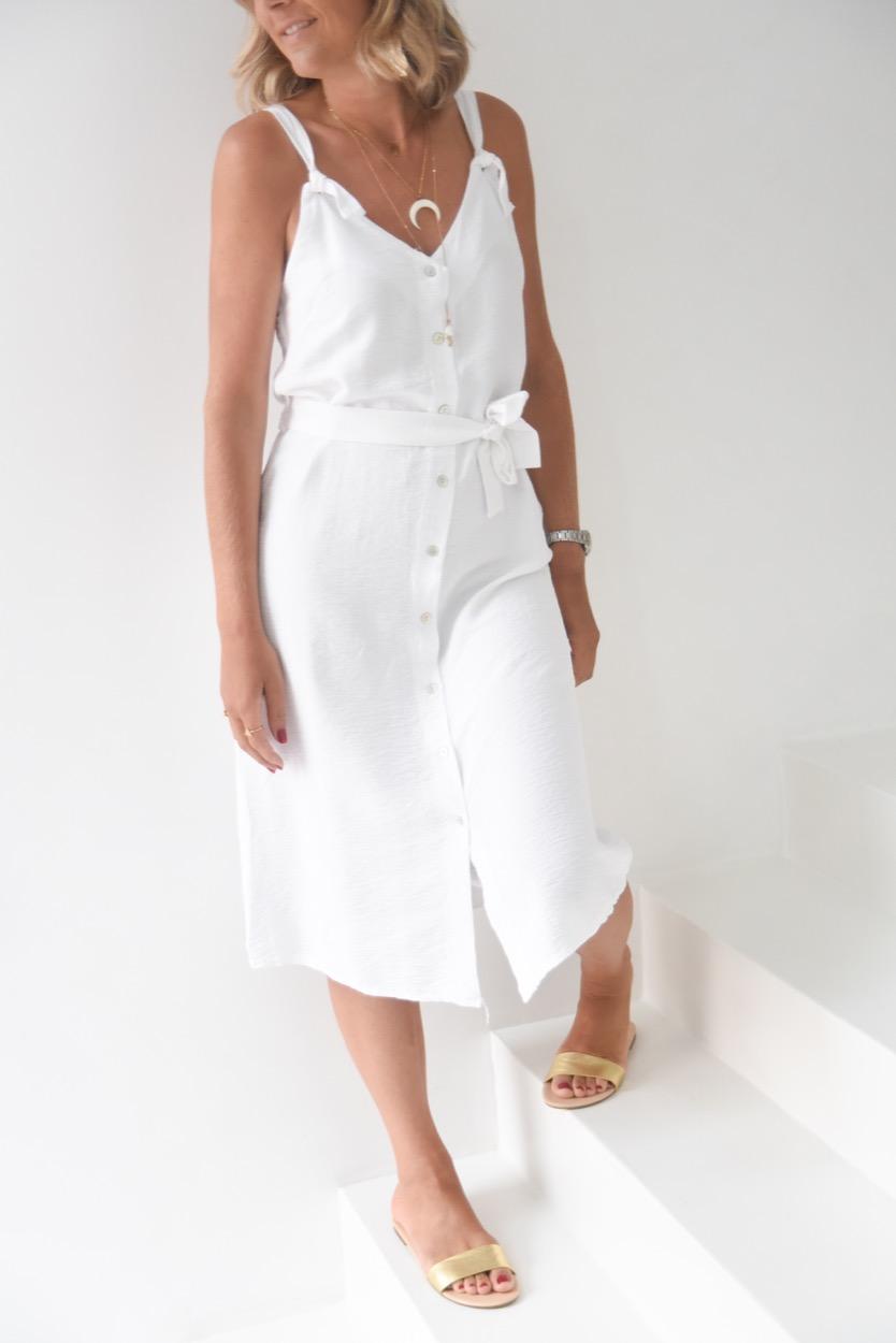 vestido branco botões