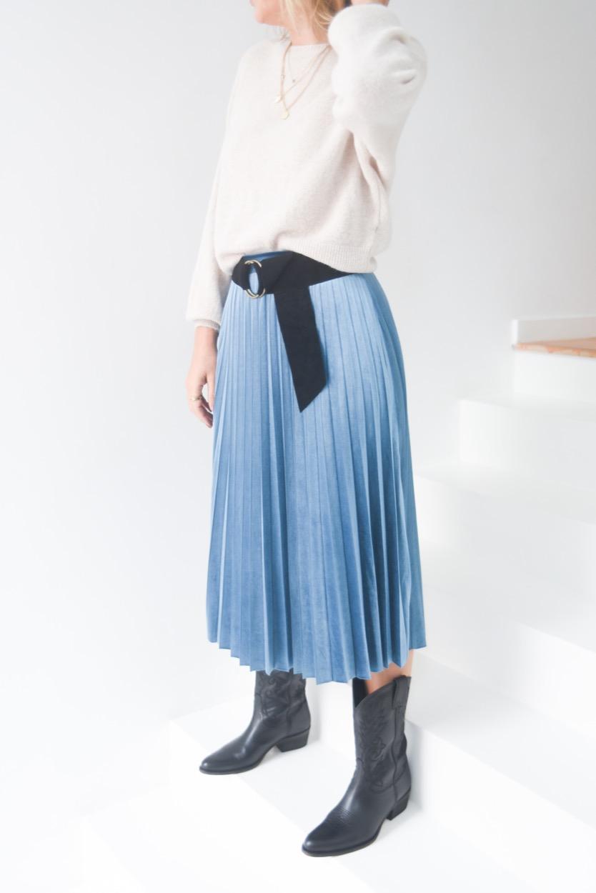 saia veludo azul plissada