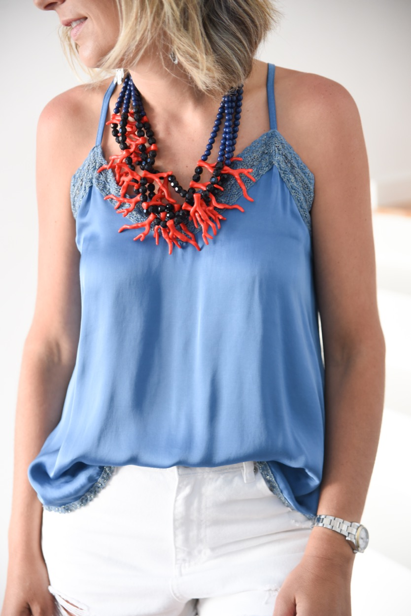 top azul decote crochet