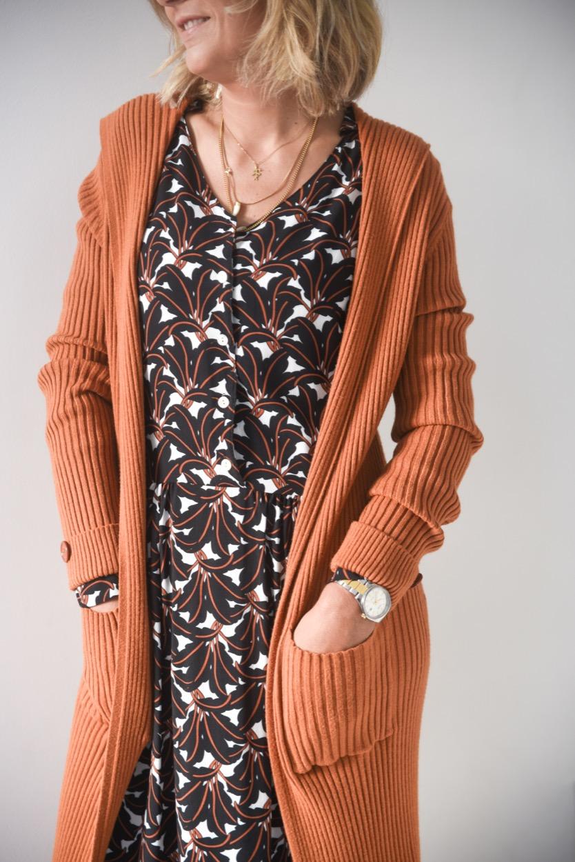 casaco canelado capuz