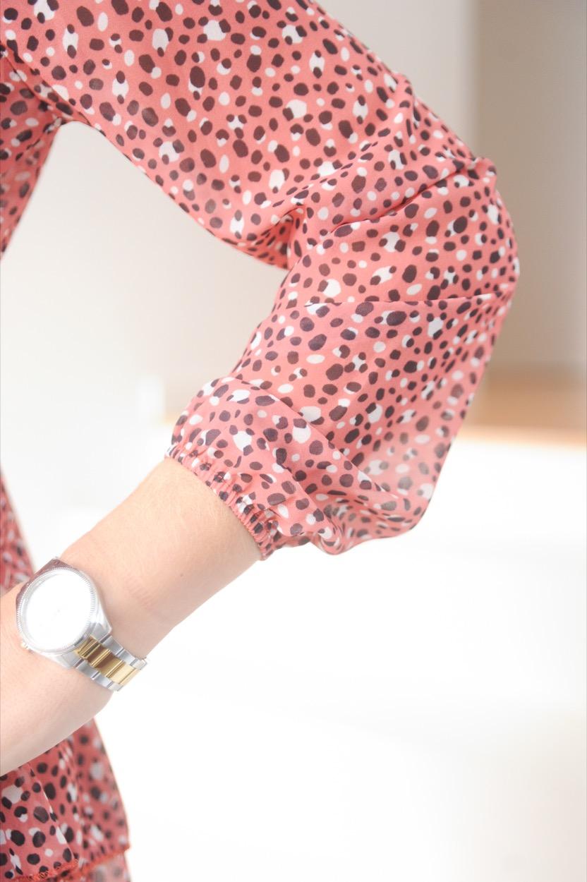 vestido coral bolas