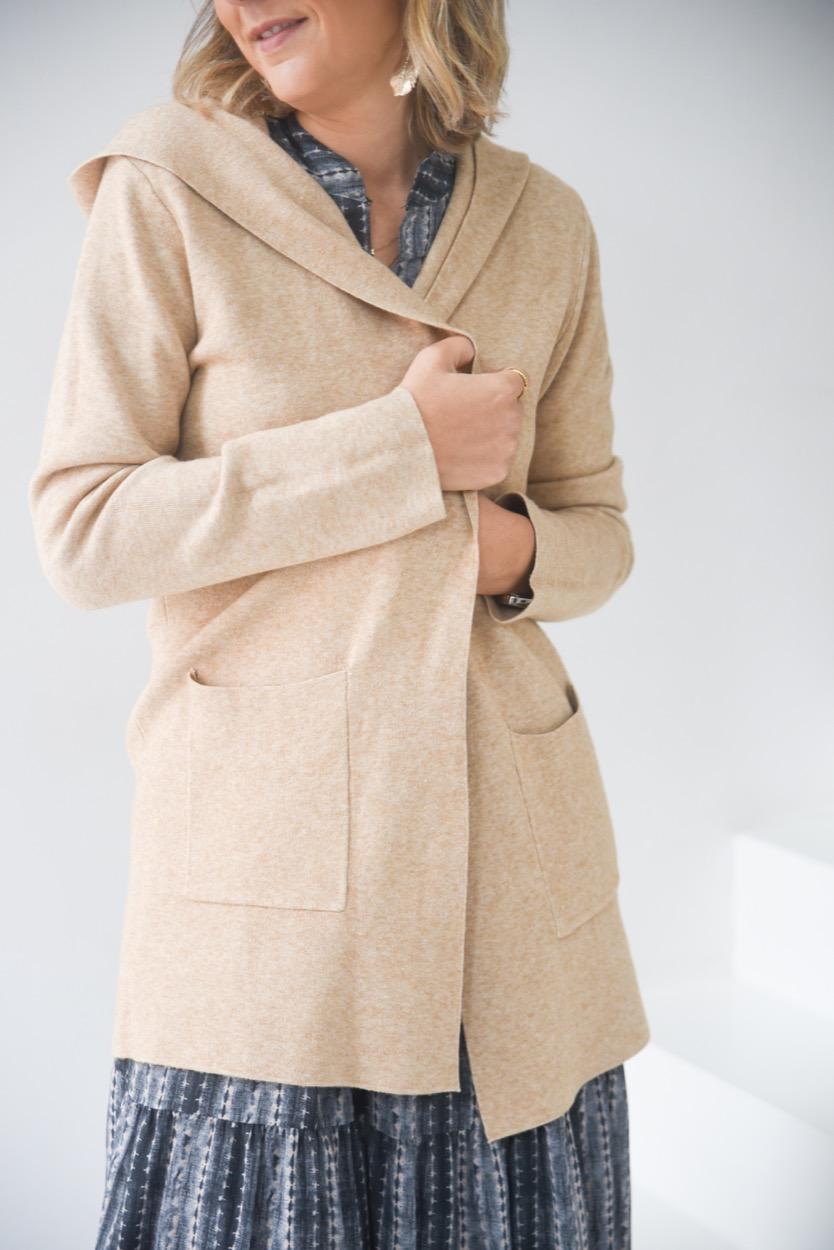 casaco camel capuz