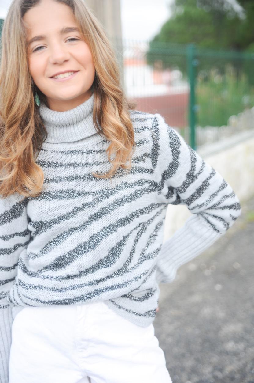 camisola gola alta cinza zebra