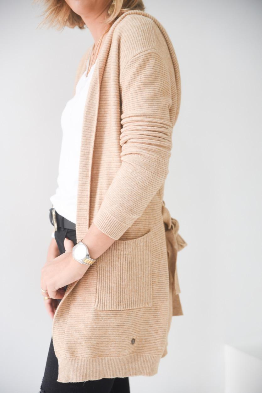 casaco capuz canelado
