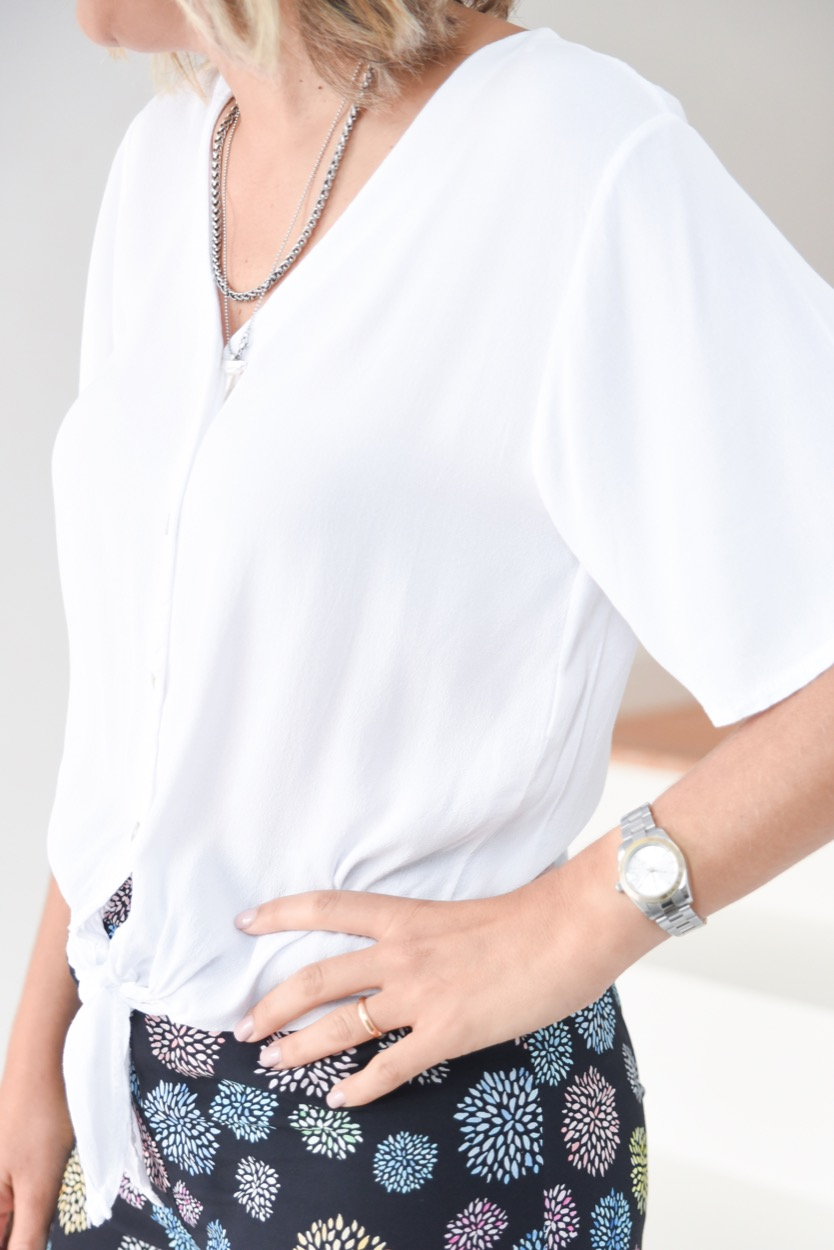 camisa branca nó