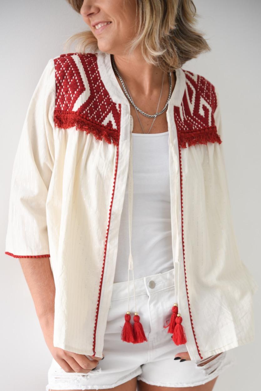 casaco cru bordado encarnado