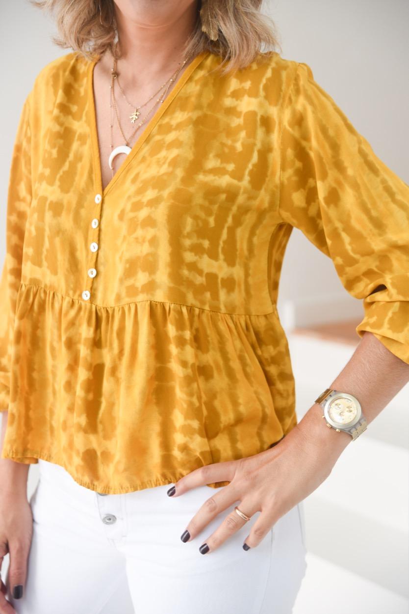 blusa mostarda manchada
