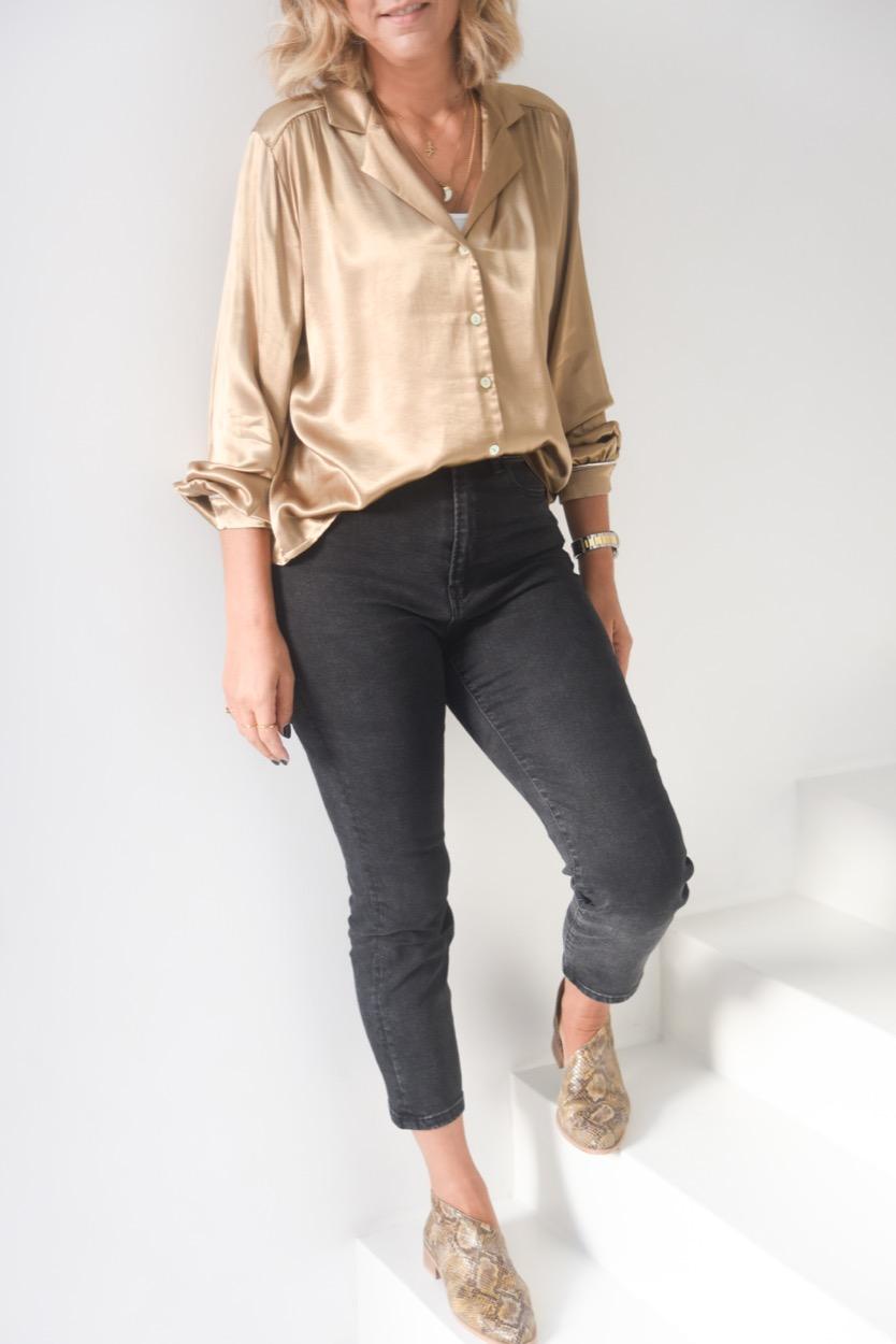 camisa cetim dourado