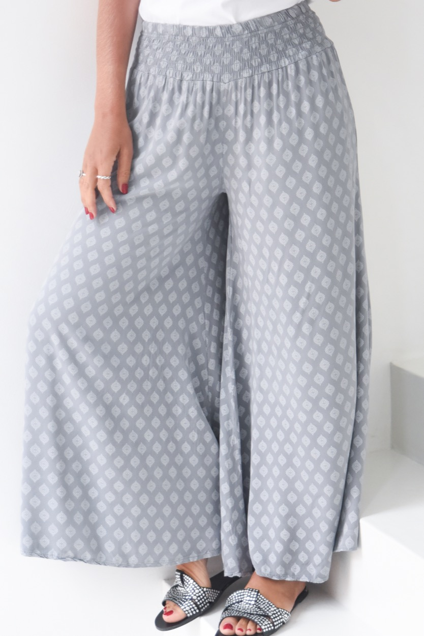 calças cinza largas elastico cintura