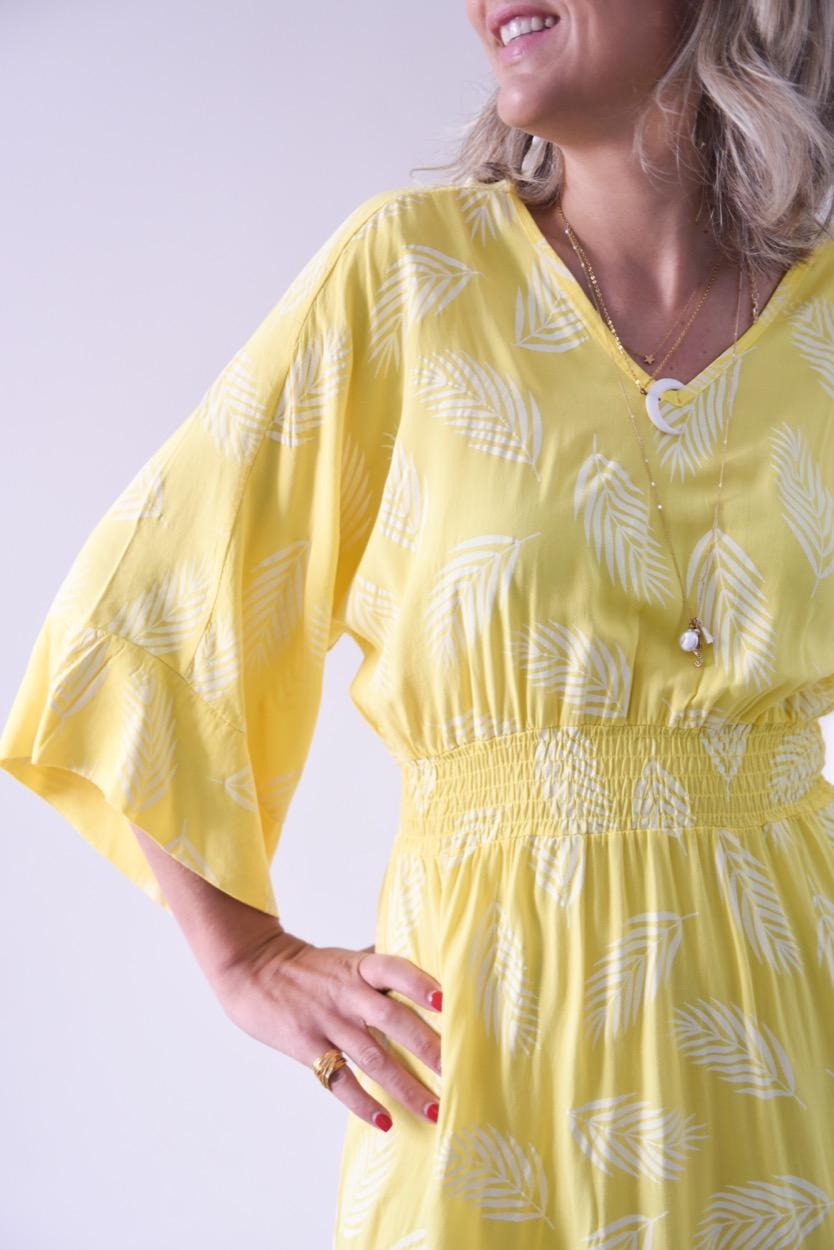 vestido amarelo folhas
