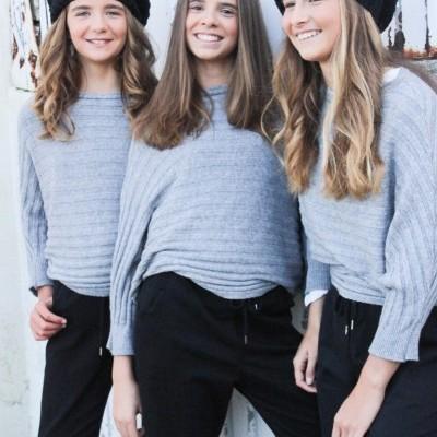 camisola cinza canelada