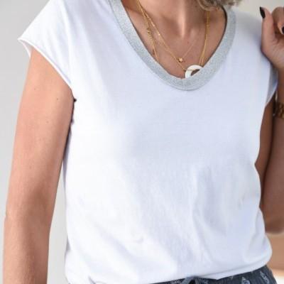 t-shirt decote brilho