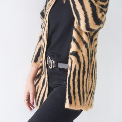 casaco camel zebra