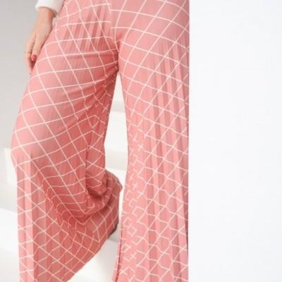 calças plissadas rosa