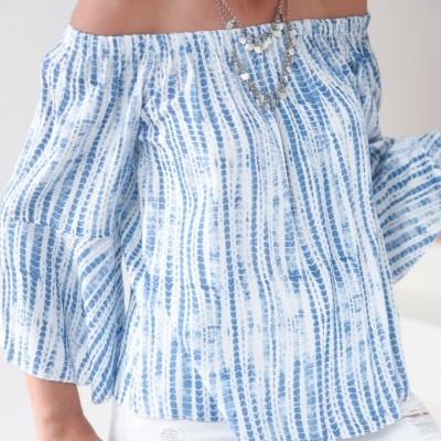 blusa estampado azul/ branco