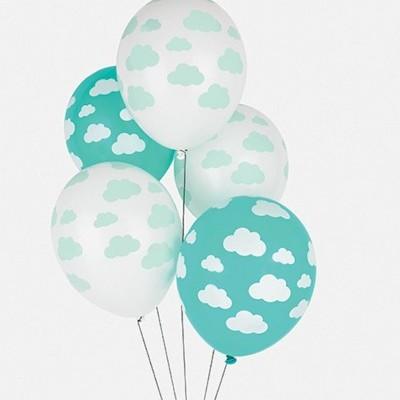 5 balões impressos nuvens menta