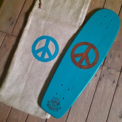 "Skateboard cruiser ""Retro peace"""
