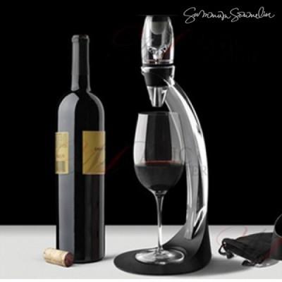 Arejador / Decantador de vinho com suporte