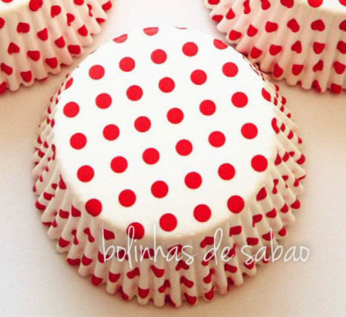 Cupcakes Bolas - Fundo Branco Pintas Vermelhas - 50 unidades