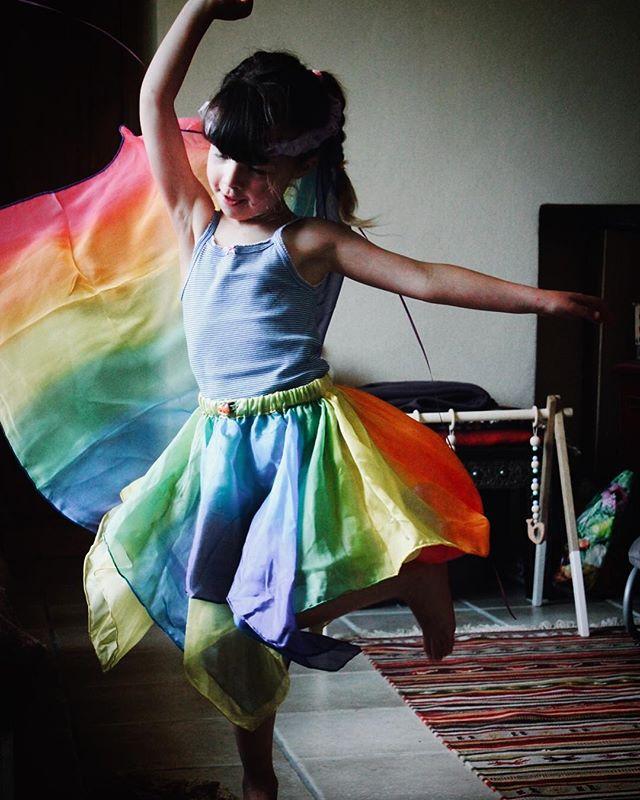 Saia de Fada Arco-Íris Reversível - Sarah's Silk