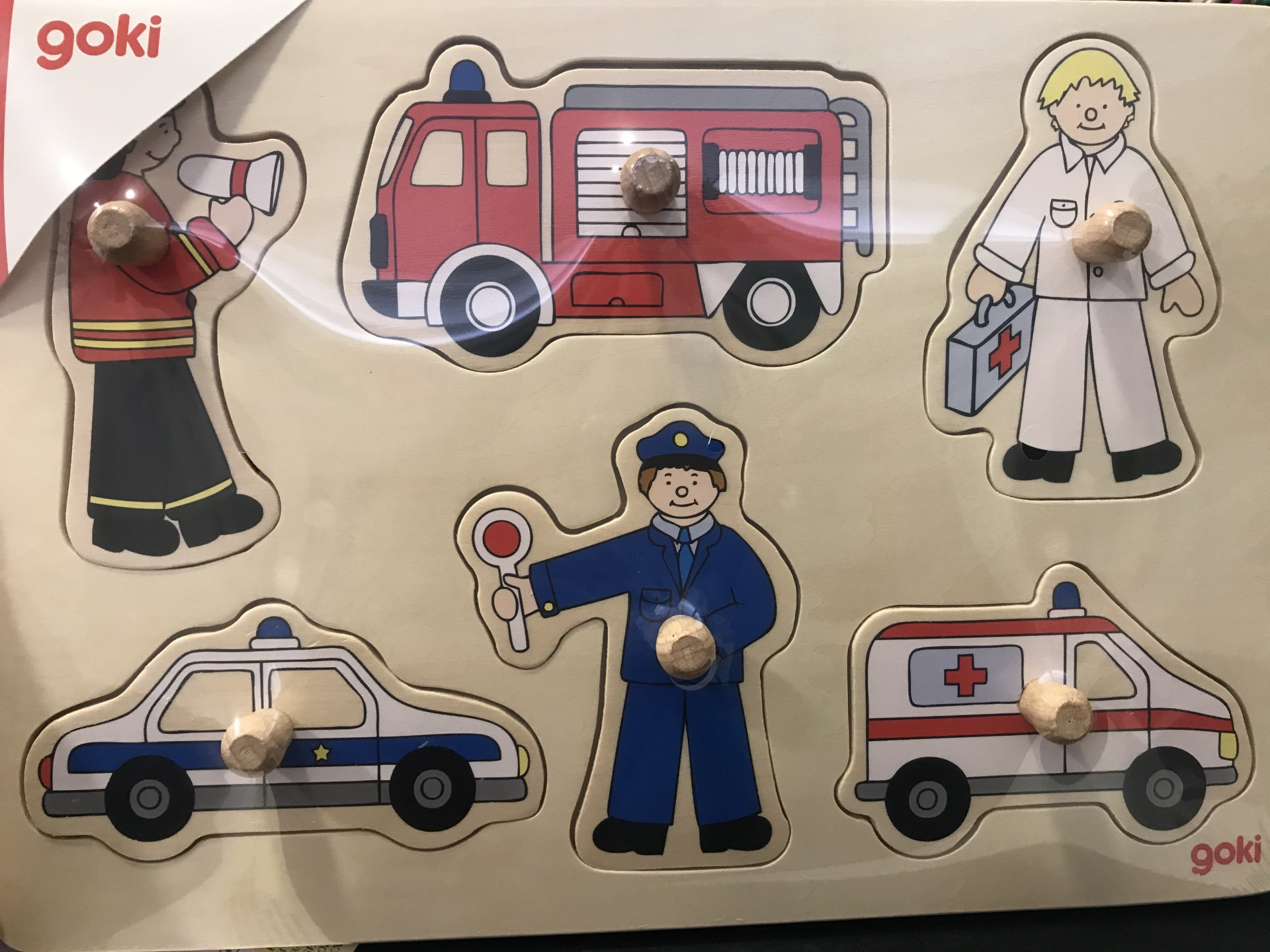 Puzzle de Pegas Transportes de Emergência - Goki