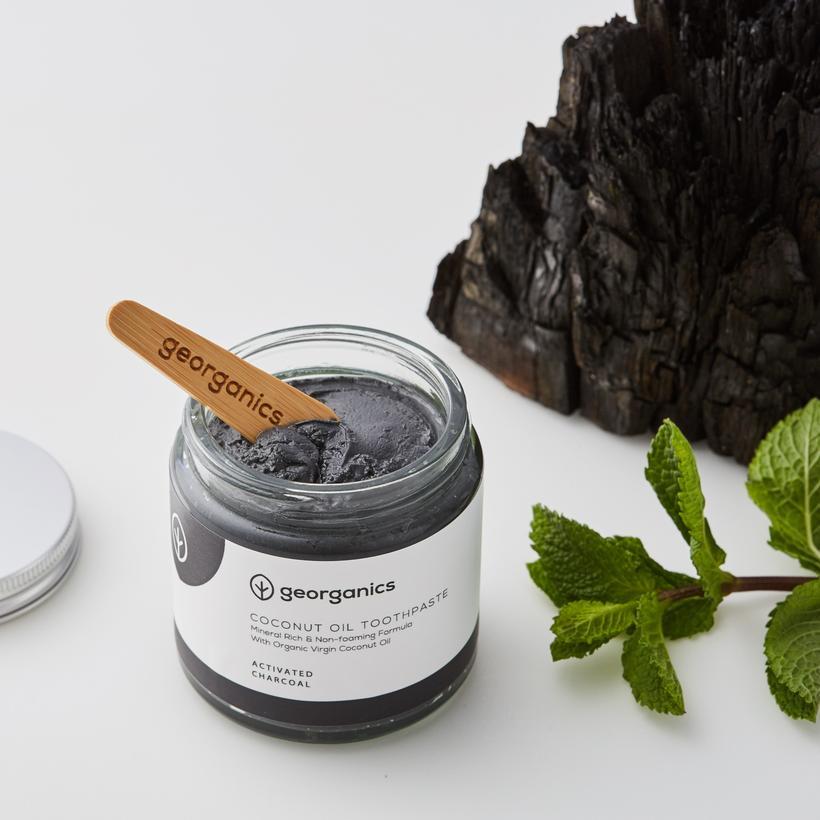 Pasta de Dentes Branqueadora, Natural e Orgânica Georganics – Carvão Vegetal Ativador