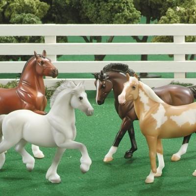 Breyer Quatro Cavalos - Stablemates