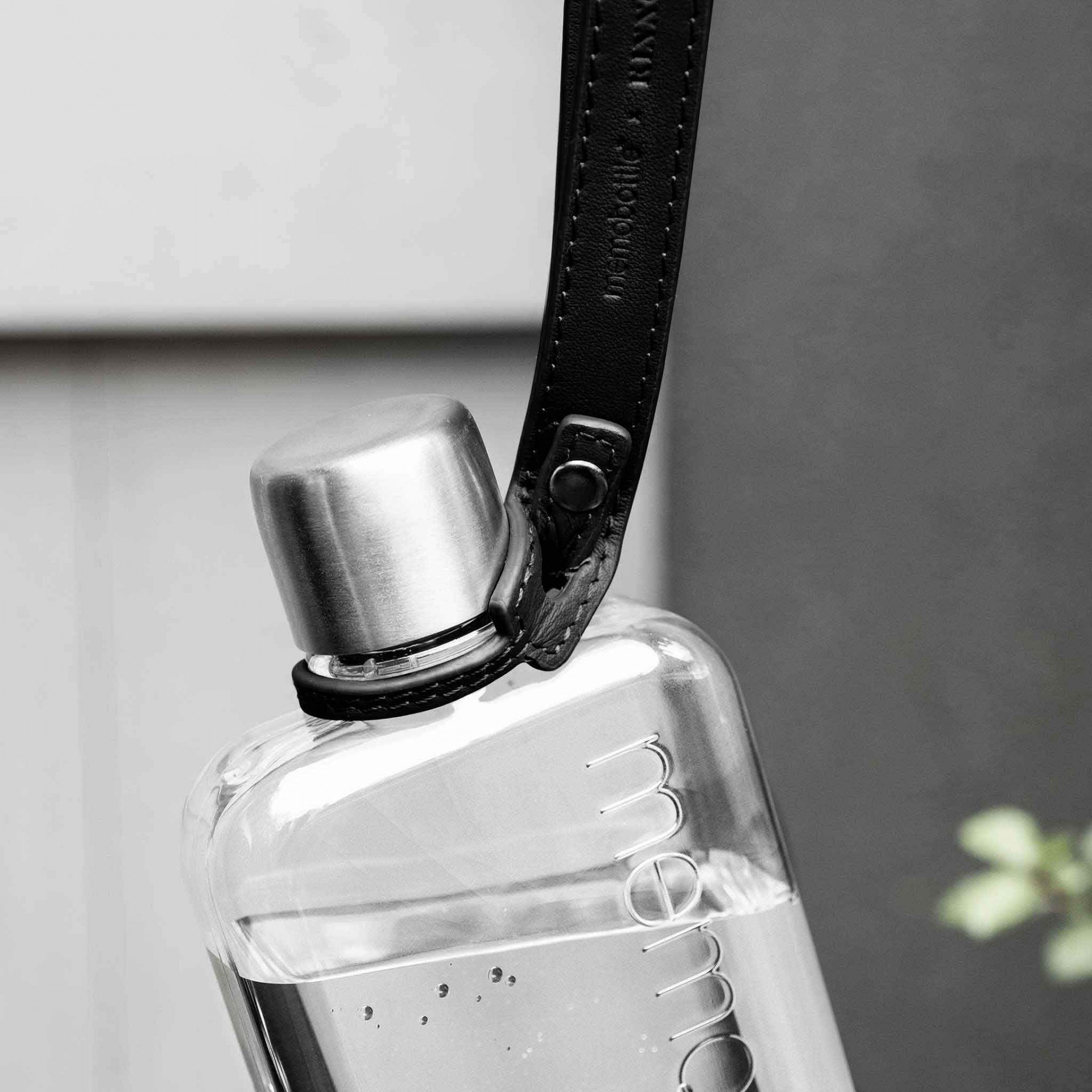 Black Leather Lanyard memobottle