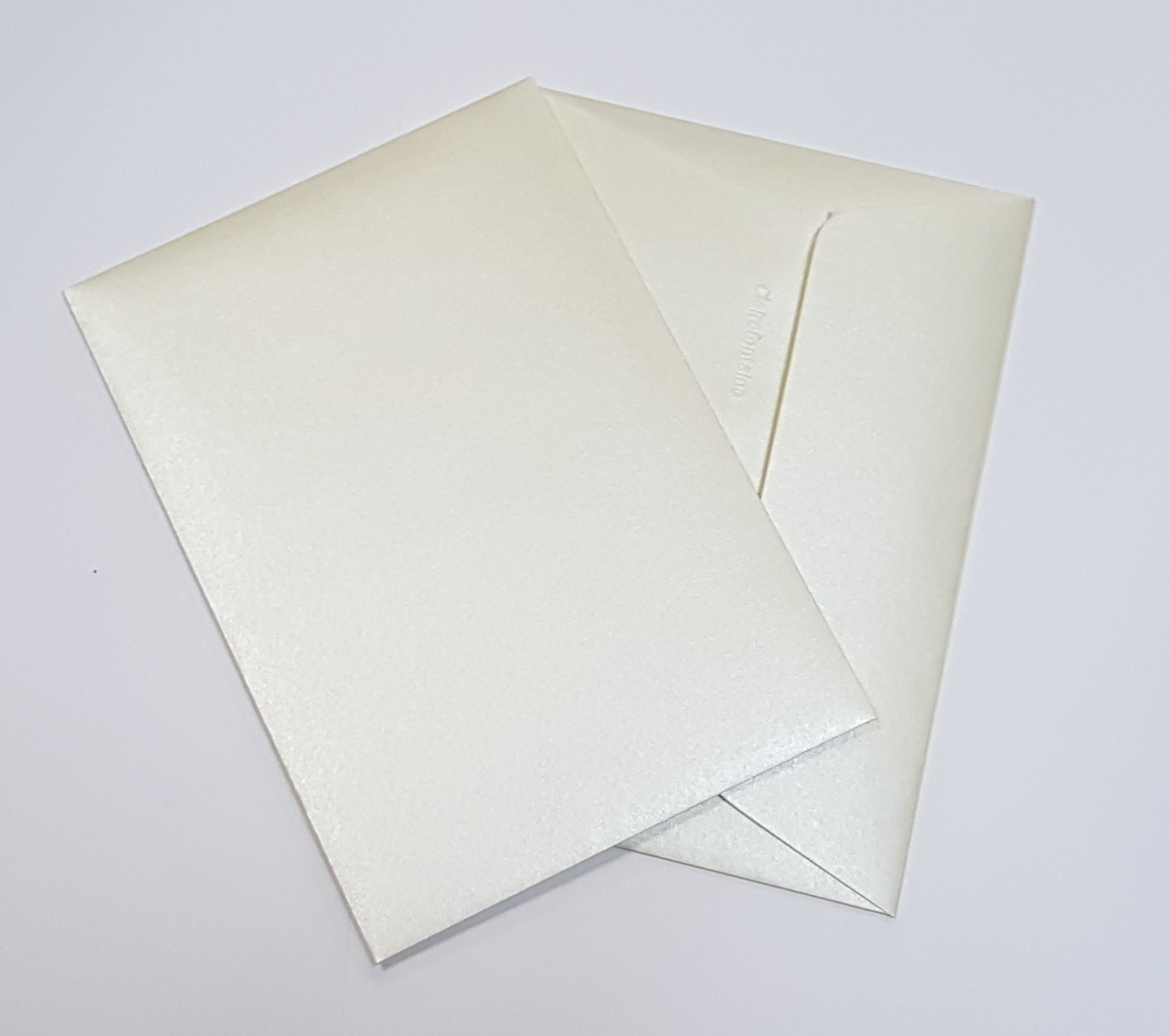 Envelopes C6 metalizados cor champanhe