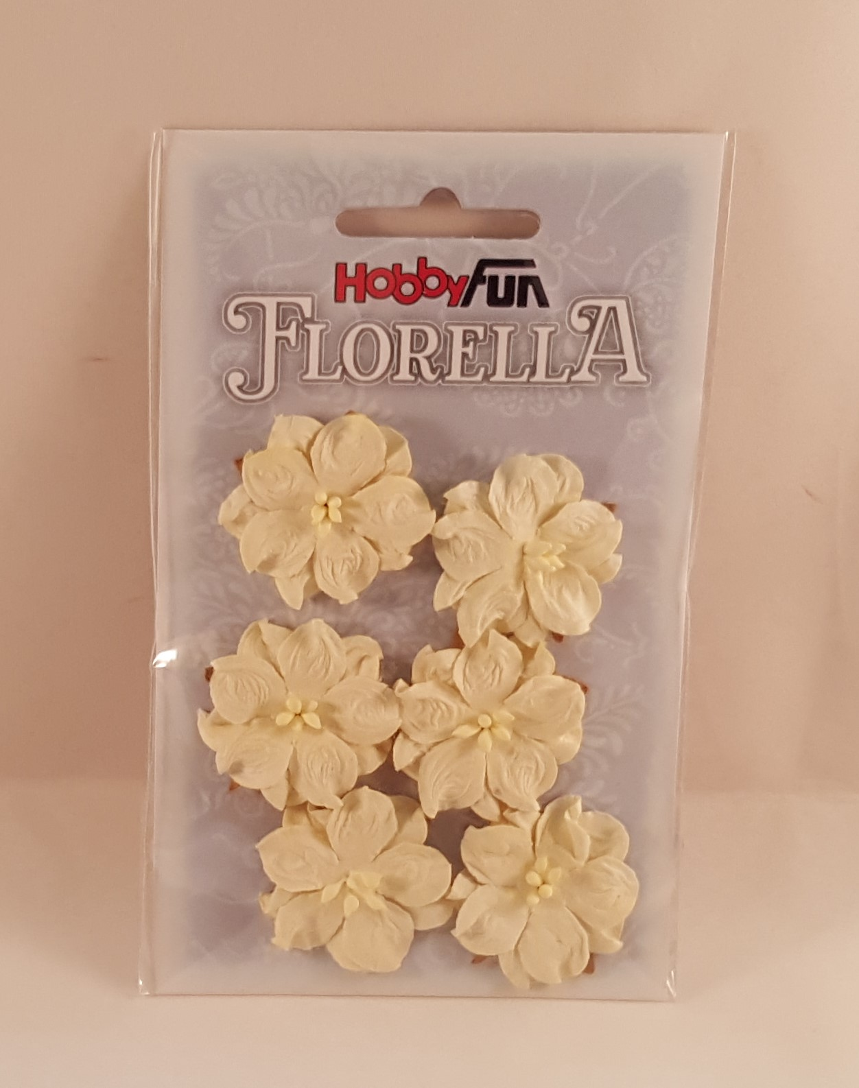 Flores de papel amarelo claro para scrapbooking