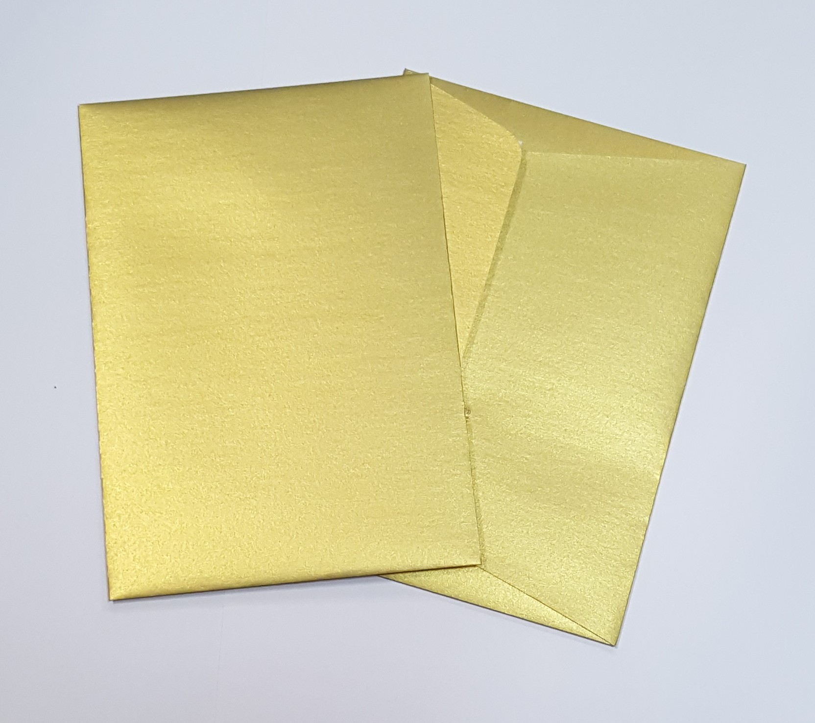 Envelopes C6 metalizados cor dourada