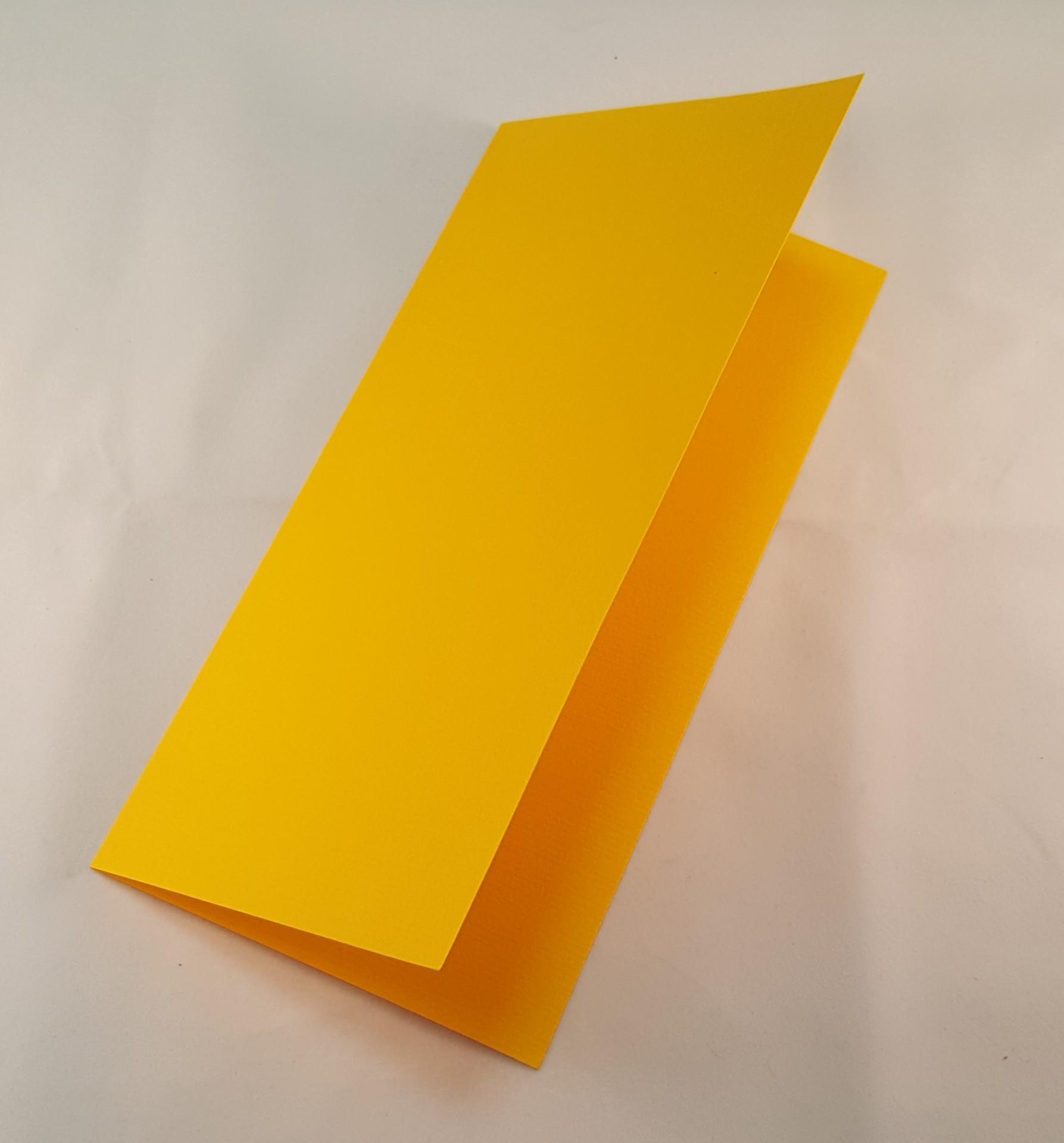 Cartão DL colorido cor amarelo torrado