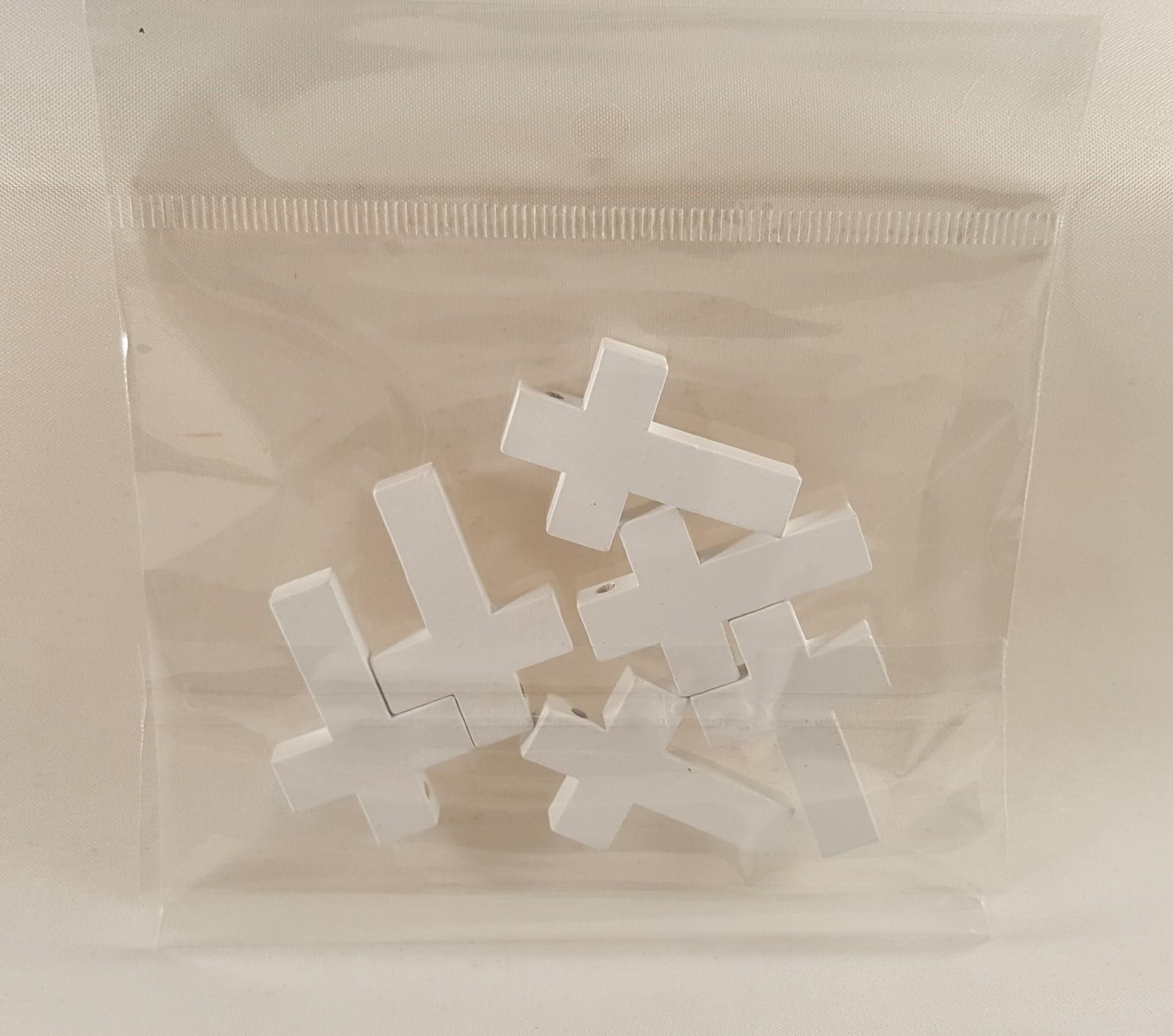 Cruz de madeira cor branca