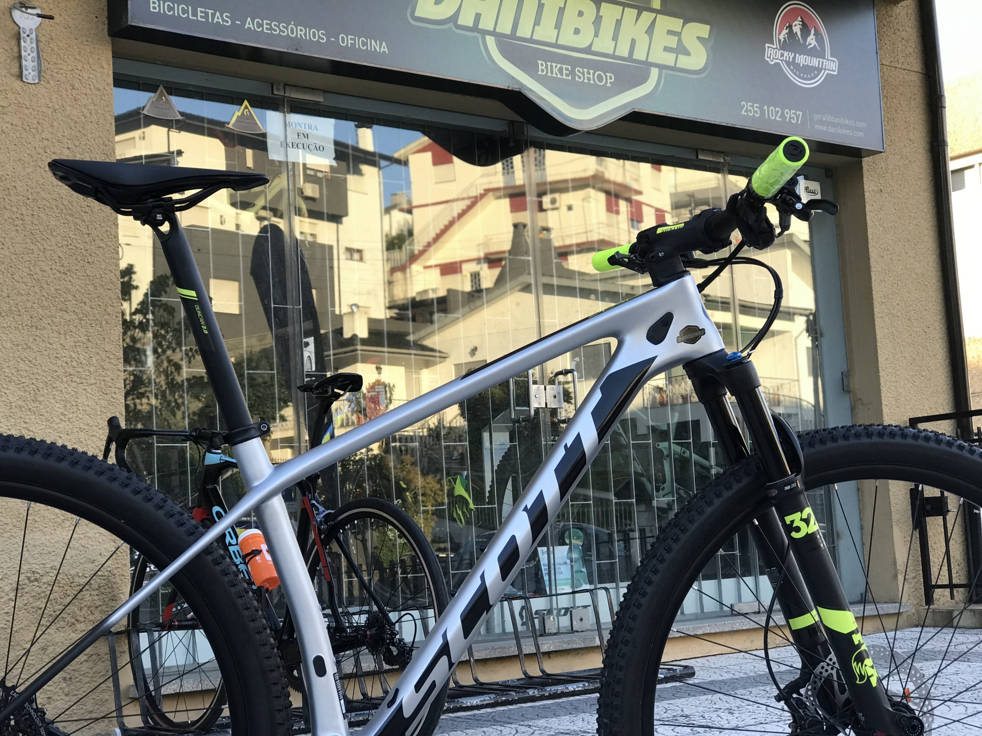 Bicicleta Scott Scale 920 - 2020