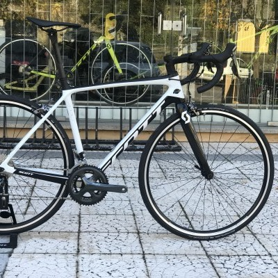 Bicicleta Scott Addict 30 - 2019