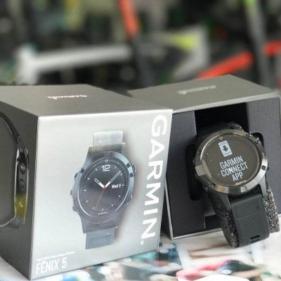 Relógio GPS Fenix 5 Sapphire - Preto