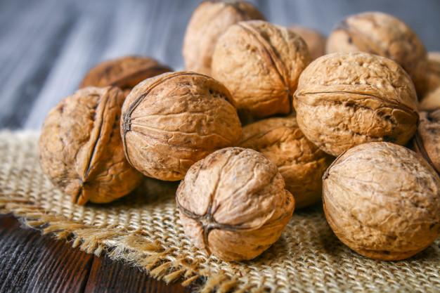 Nozes: Descubra os benefícios deste fruto seco!