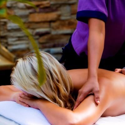 Massagem Localizada - Massagem às Costas