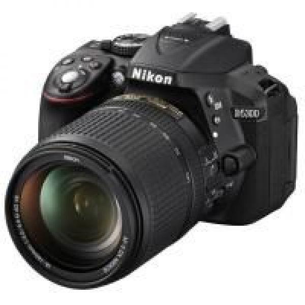 Nikon D5300 + AF-S DX 18-140 G ED VR