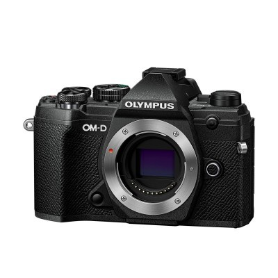 Olympus OM-D E-M5 Mark III Preta + 12-200 mm