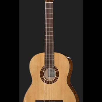 Classic Guitar S 4/4 Bundle