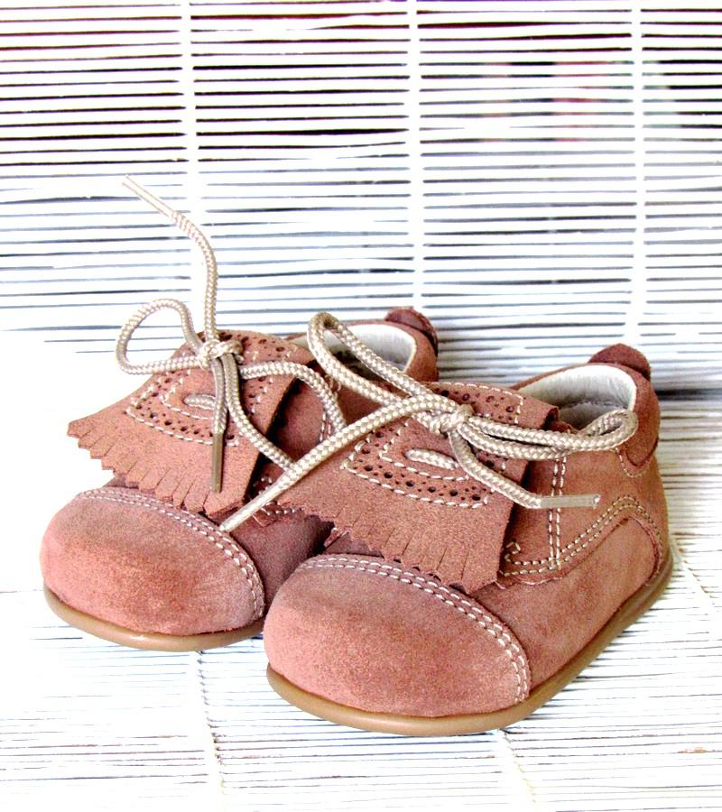 Sapato carneira de bebé