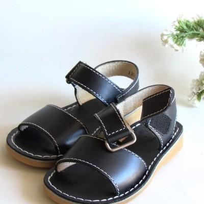 Sandália tira azul escuro