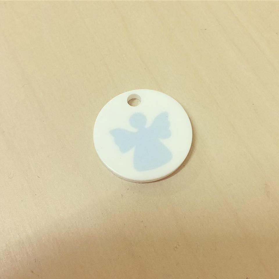 Medalha Acrílico Pequena Anjo Azul