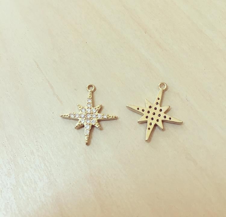Estrela do Norte Dourada com Zircónias