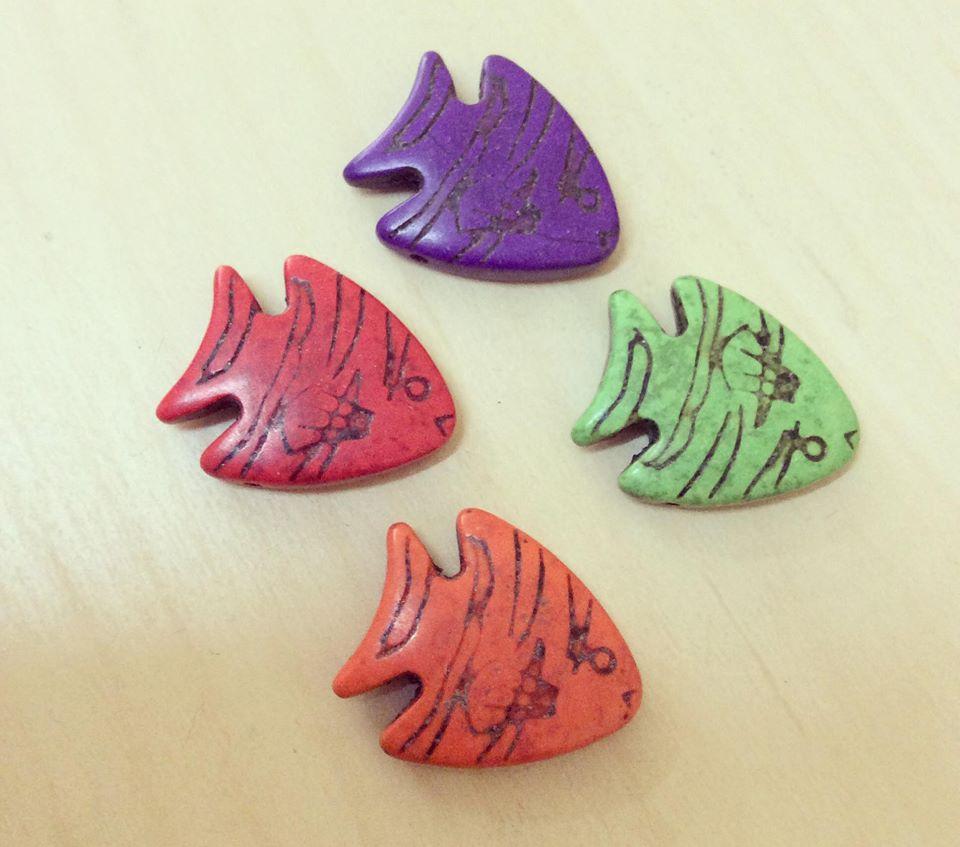 Peixe Colorido em Howlita