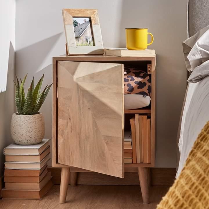 Mesa de cabeceira em madeira de mangueira natural, 42x60 cm
