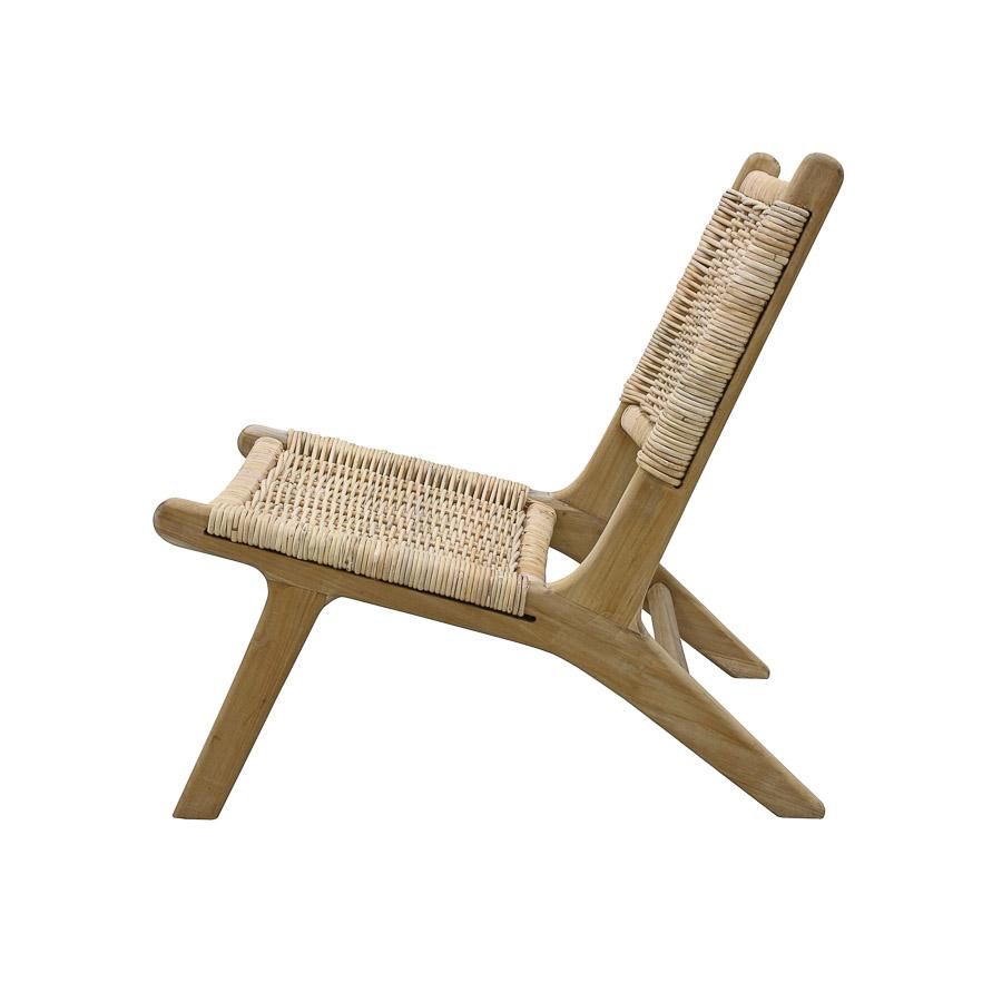Cadeira em madeira e vime natural