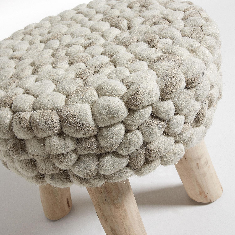 Banco de madeira forrado em lã de feltro, Ø45x43 cm